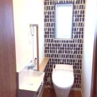アクセントクロスでトイレをイメチェン!プライベートな空間を自分好みにアレンジしちゃおう♪