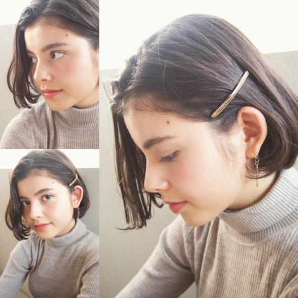 前髪をサイドに流し片方はピンで留めるとおでこが見えるため、顔周りがすっきりとして清潔感も演出できますよ。耳につけたアクセサリーも見えるようになり、よりおしゃれ度もアップしますね。