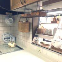 散らばりがちなキッチン!出窓を使った収納&飾り棚コーデ実例☆