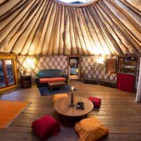 glamping-france-la-source-yurt-3-8-600x401