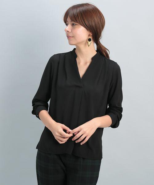 カジュアルにフォーマルにと出番が多そうなブラックシャツは絶対手に入れたい必須アイテムです。