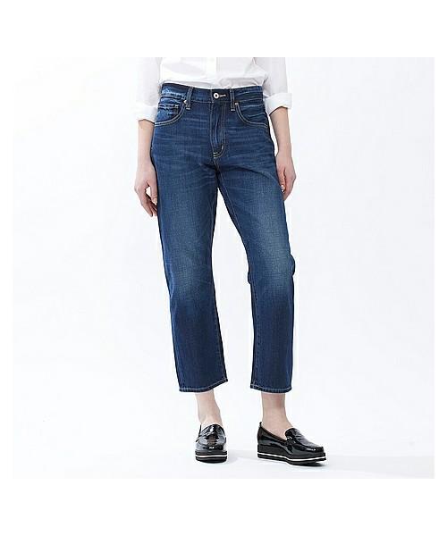 ◆WOMEN リラックスボーイフレンドフィットジーンズ ¥3,229  ワイドデニムが苦手な人も気軽に取り入れられるストレートシルエットのリラックスボーイフレンドジーンズ。トレンドに関わらず長く履くことができます♪ワンサイズ大きめを選んで、トップスをウエストインすれば今季風の着こなしが可能です。