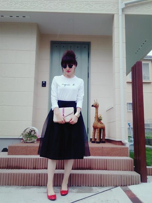 こんなフレンチで可愛いロンTの着こなしも、とっても素敵ですね!デートやお出かけにもGOODなコーデ♡