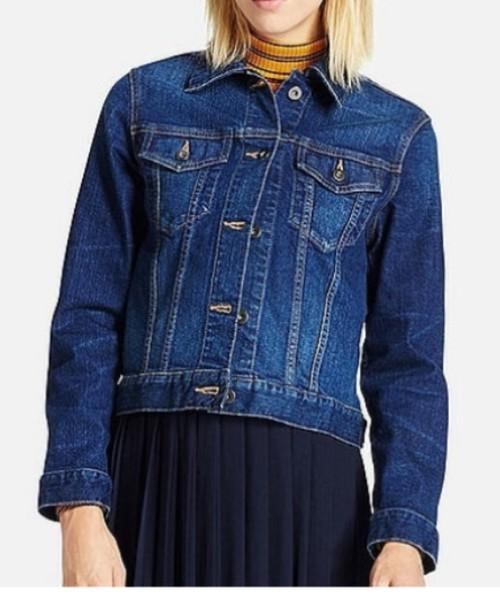 ◆WOMEN デニムジャケット  デニムジャケットを研究し、ベストなシルエットと高品質な素材で作られたUNIQLOのデニムジャケット。コンパクトなシルエットで、スタイルよく見えるようにややタイトな作りになっています。どんなアイテムともコーディネートしやすいジャケットです♪