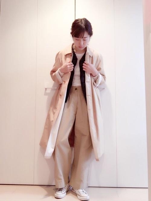 こちらもバーバリーのコート。ステンカラーのコートもコーデを選ばないので長く着られる1枚ですね。