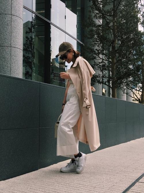 ◆MERCURYDUO テロンチコート  トレンドのベビーピンクとテンセル素材の落ち感が魅力のトレンチコート。少しルーズなシルエットが、かえって女性らしさを引き立てます。ホワイトのワイドパンツと合わせて、エレガントな桜色のコーディネート♡