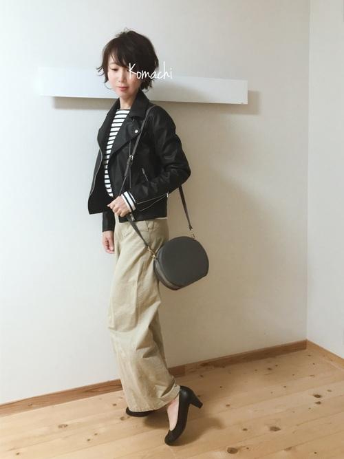 ◆UNIQLO ネオレザーライダースダブルジャケット  ファストファッションブランドのフェイクレザーはあなどれません。軽くあたたかいネオレザーを使用したダブルのライダースジャケット。シルエットがきれいなので、きれいめにも着こなし可能です♪