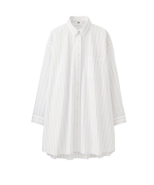 ◆エクストラファインコットンオーバーサイズロングシャツ(長袖)  上質なエクストラファインコットンを使用したマニッシュなオーバーサイズシャツ。これまでよりサイズ感が大きめかつ長めになっています。襟はトレンドのシャツパジャマ襟。ボタンをすべて外して着れば、はおりものとしても使用できます。