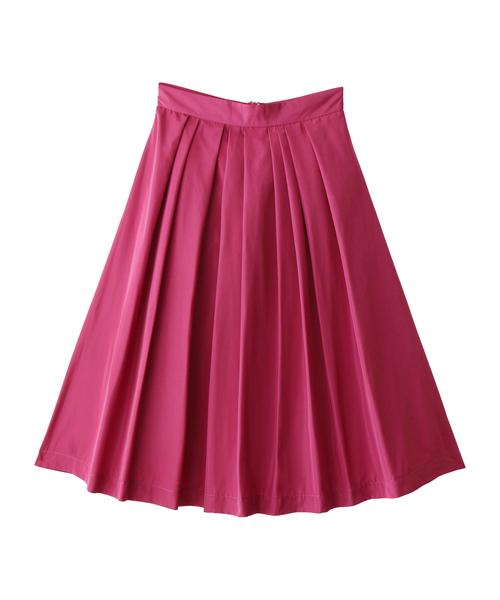 GLYのピンクカラーのタックスカート。ボリュームたっぷりなフレアシルエットが魅力なスカートは、春にぴったりなピンクカラーで♪ガーリースタイルからカジュアルスタイルまで幅広く使えるのもいいですね。