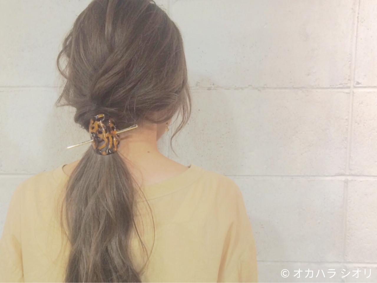 べっ甲テイストのヘアアクセが大人の古風な雰囲気に♪髪色も春っぽいミルキーカラーで可愛らしく♡