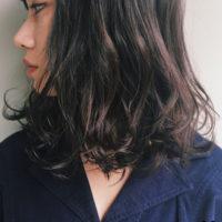 ツヤ感と透明感が素敵な魅力のヘアカラー・アッシュがかっこよすぎます!