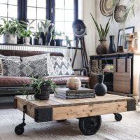車輪に注目☆トロリーテーブルで、スタイリッシュな空間を造りませんか♪