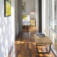 細長い空間を魅力的に。収納からギャラリー風まで。廊下の素敵な使い方特集