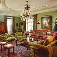 アンティークな雰囲気が漂う、ヴィクトリアンスタイルなリビング特集