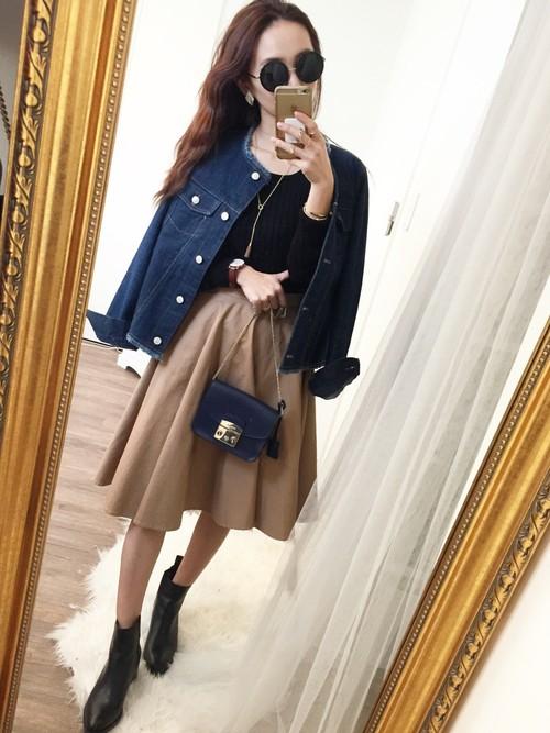 襟元と裾のカットオフでフリンジデザインになった、ジャケットタイプのGジャンです。エレガントスタイルが多い方は、こんなデザインから選んでみても良いですね。