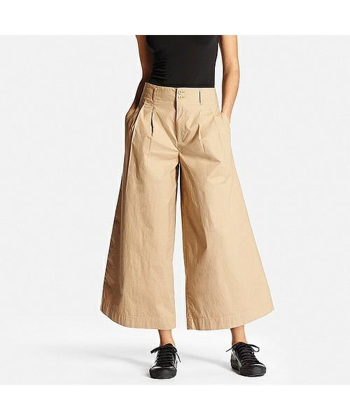 今回はこちらのワイドパンツを例にコーデをご紹介します♪冬場のワイドパンツはすきま風が入って肌寒く感じてしまいますが、春になればそんな心配もなし♪張り感のある素材を使えばシルエットも裾広がりになり、足をほっそりと見せて着やせ効果もあります!プチプラなワイドパンツですが、いいところがたっくさん♡さっそくおしゃれさんの着こなしを見てみましょう。