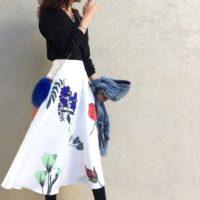 2017春夏、一枚は必須!花柄ロングスカートを主役にしたコーデ♡
