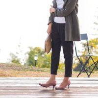 大人女性の足元を美しくカッコよく飾る☆春のカラーパンプスは何色にする?