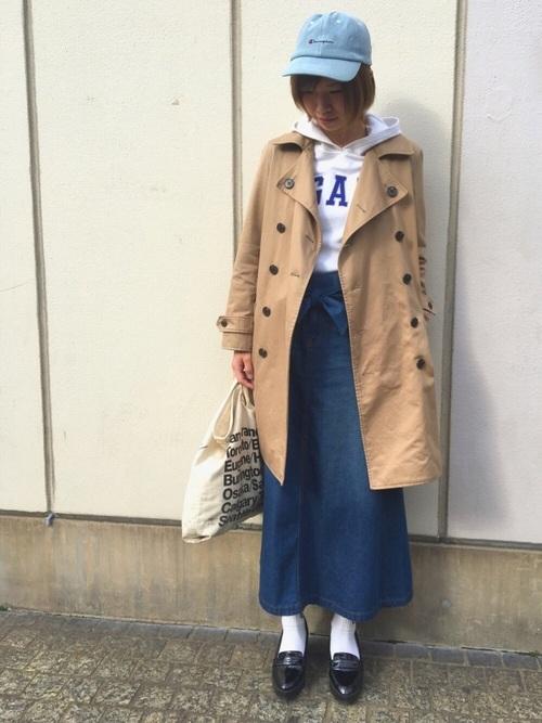「リーズナブルだけど大丈夫?」と思われがちなファストファッション。しかしUNIQLOはやっぱりスゴイ!王道アイテムのトレンチコートも使いやすさ抜群です。