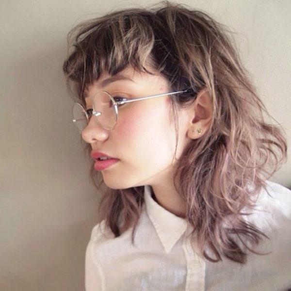 丸ぶちの眼鏡に合わせるなら、前髪はまゆ上がベスト♡可愛い丸ぶちが前髪で隠れない様にしましょう♪