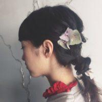 春は花が咲き誇る季節です!ヘアアクセサリー感覚で髪に花を飾りましょう♡