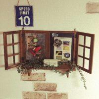 窓のない空間にも簡単につけられる!フェイク窓枠のDIYアイディア集