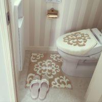 トイレにマットを敷いてトイレ空間を清潔に快適に使ってみては?