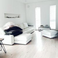 春の季節の模様替えにお勧め!清潔感あふれるホワイトインテリアのお部屋づくり