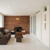 カラーや面積で印象が変わる!本物のレンガ壁を使ったお部屋をご紹介♪