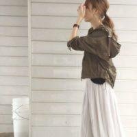 春風に揺れるプリーツスカートで素敵にコーディネートをしよう!