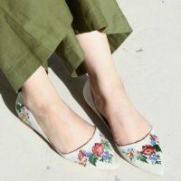 いち早くトレンドを取り入れよう☆2017年春夏の靴は『花柄』で決まり♪