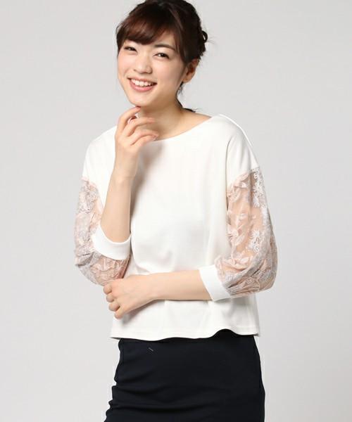 ホワイトカットソーは袖にポイントのあるものをチョイス。刺繍やボリューム袖など、袖にデザイン性のある主役トップスを1枚持っておくと、シンプルなボトムスに合わせたときに大人かわいく決まります。