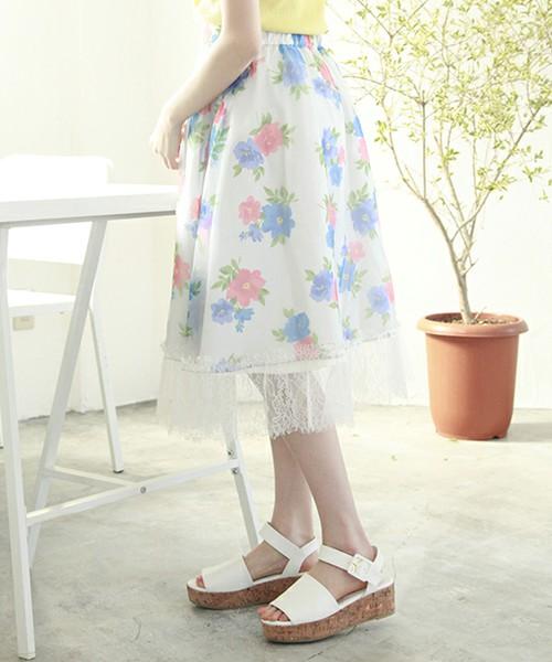 [one after another NICE CLAUP] オーガンジー花柄スカート  5,292円  レディライクなフレアスカート。キュートな花柄とレースがミックスされた最強な1枚に。履いているだけで、目をひきますね。思いっきりフェミニンなスタイルを楽しむのがオススメ!!王道な女性らしい装いを楽しんでみては!?