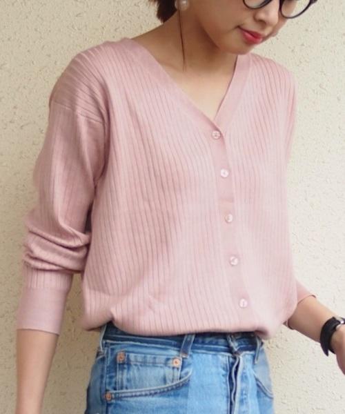 ◆マルチウェイリブカーディガン ¥1,490  旬のリブカーディガンはボタンを留めてプルオーバーとして着ることや、前後をチェンジして着ることができるマルチウェイのカーディガンです。今季らしい上品なピンクを選んでトレンド感をアップ♪