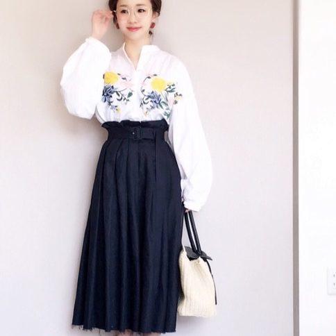 af2b64b263dee ネイビースカートコーデ50選☆おしゃれ感のあるカラーで素敵な女性を目指 ...