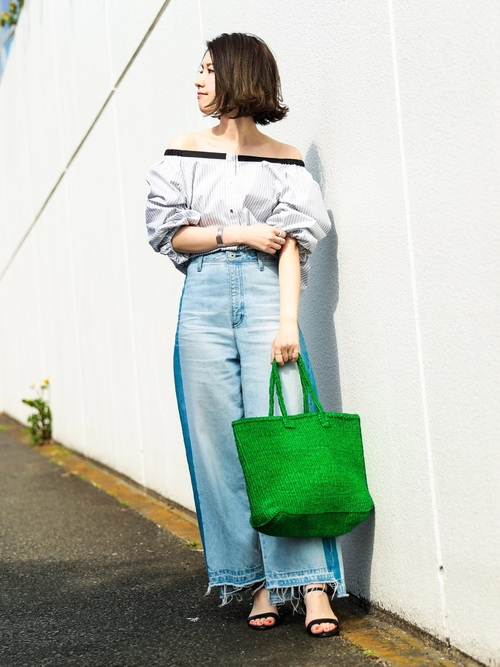 グリーナリーのかごバッグは、それだけで一気に旬の夏スタイルになりますね。