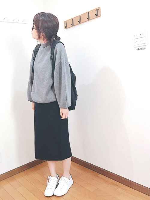 モノトーンコーデにピッタリの黒スカート。暗くなってしまいがちなモノトーンコーデも、スカートで肌を少し見せることで、一気に印象が変わるんです♪黒スカートならきれいめコーデにもカジュアルコーデにも使えるので、ぜひGETしたいですね☆