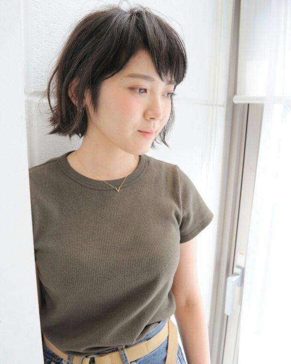 無造作でナチュラルなボブヘアが清潔感があってとってもピュアな感じに♪シンプルな服に合いますね!