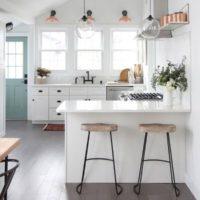 朝ごはんの定位置はココ♪あるとうれしい、おしゃれなキッチンカウンター