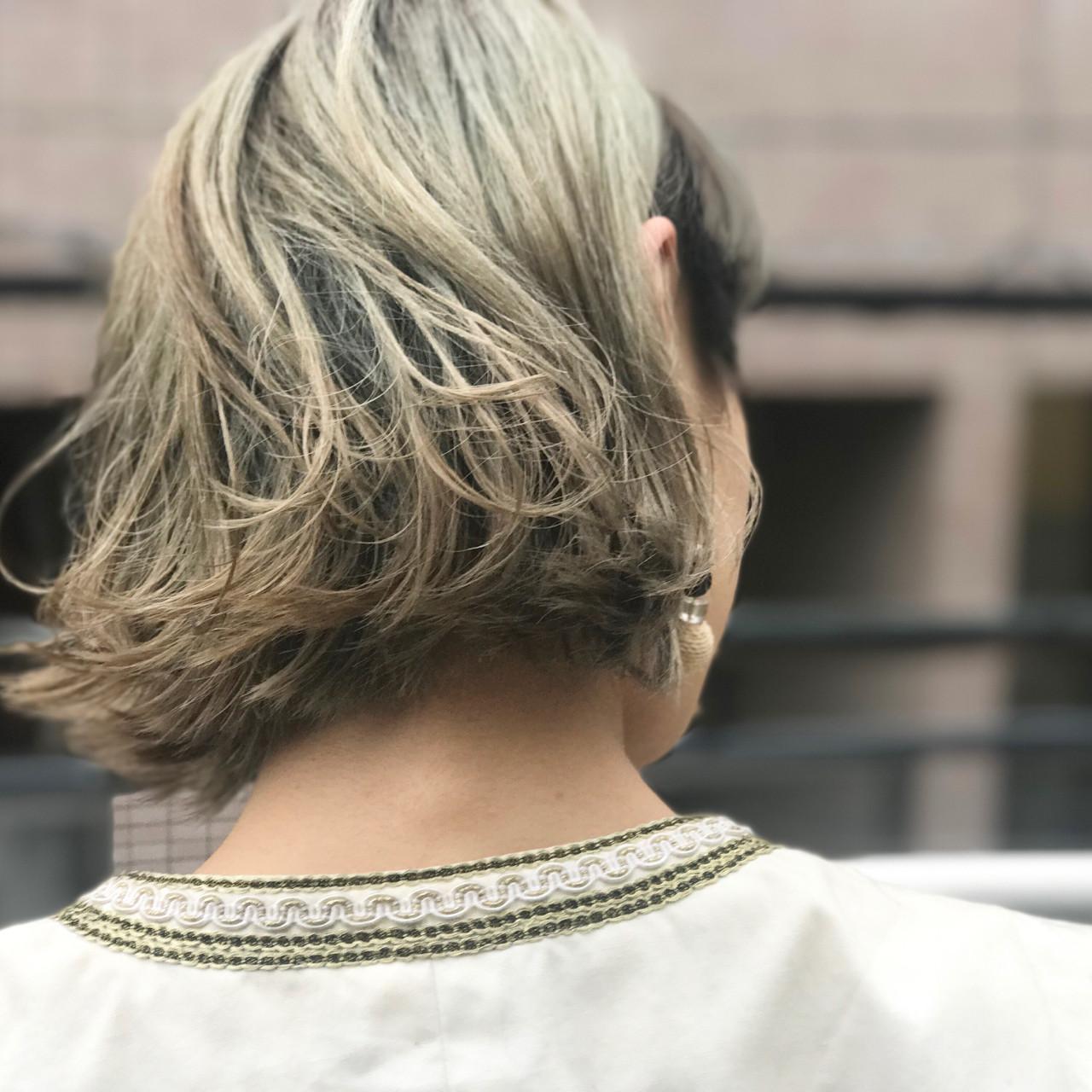 外国人風のクセ毛のようなイメージのボブです。外ハネスタイルで、揺れ感と透け感が強調されイイ感じですね!