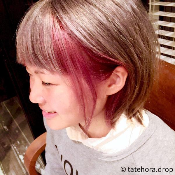 インナーカラーのピンク色は、耳に掛けたときに見えるので、さりげなさが個性的♡ツートンカラーが綺麗です。