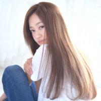 めざせ雰囲気美人♡ニュアンスのある美シルエットなストレートヘア♡
