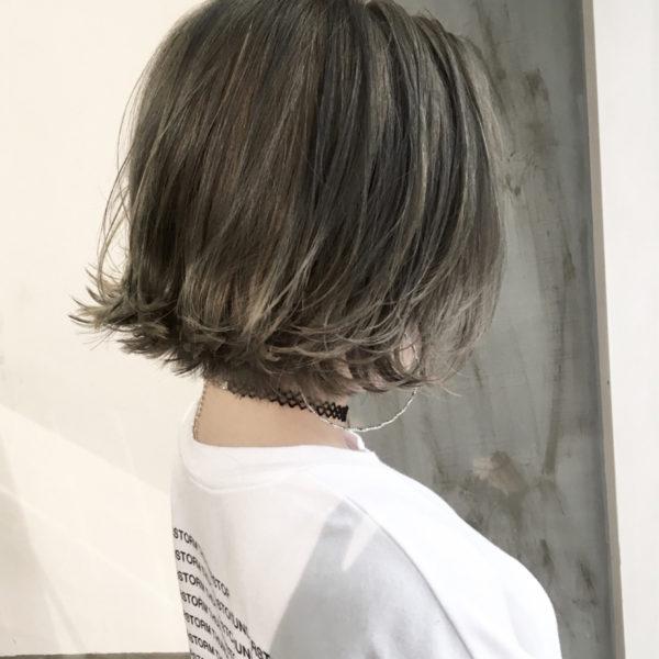 外ハネスタイルとも相性がいい透明感は。1ランク上のお洒落ヘアーに。少しウエットスタイリングするだけでツヤ感も出て可愛いです♪