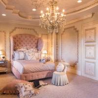 豪華なお城に住んでいるかのよう♡プリンセスのベッドルームを思わせるインテリアをご紹介!