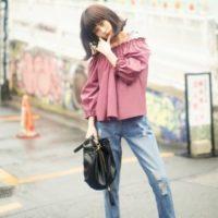 ピンクシャツコーデ47選♪おしゃれに着こなして明るい気分を晴れやかに表現♡