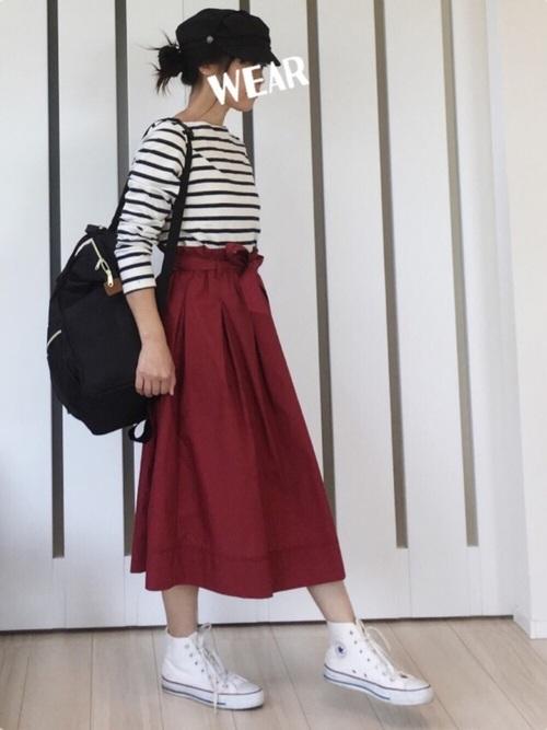 Aラインスカートは着やせ効果抜群!腰元はきゅっとスリムで裾に向かって広がるデザインなので、下半身を気にする方にオススメです!露出が多くなる夏に向けてAラインスカートでスタイルUPしましょう♪