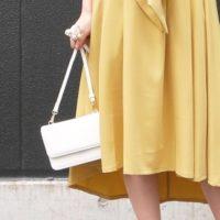 バッグは小さいほど良い?!トレンドはスクエア&サークルの2大スタイル☆