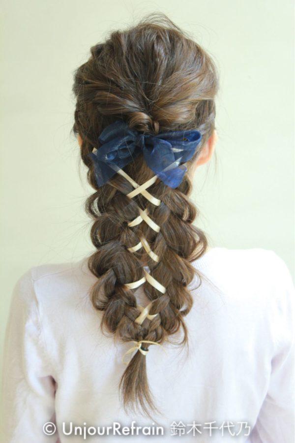 リボンを編み込んだヘアアレンジ6