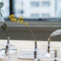 お部屋に花を♪小さなスペースにも置けるお洒落でかわいいフラワーベースを見つけよう!