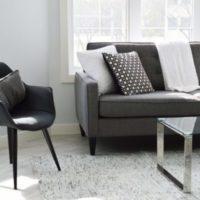 living-room-2155376_1920-600x385